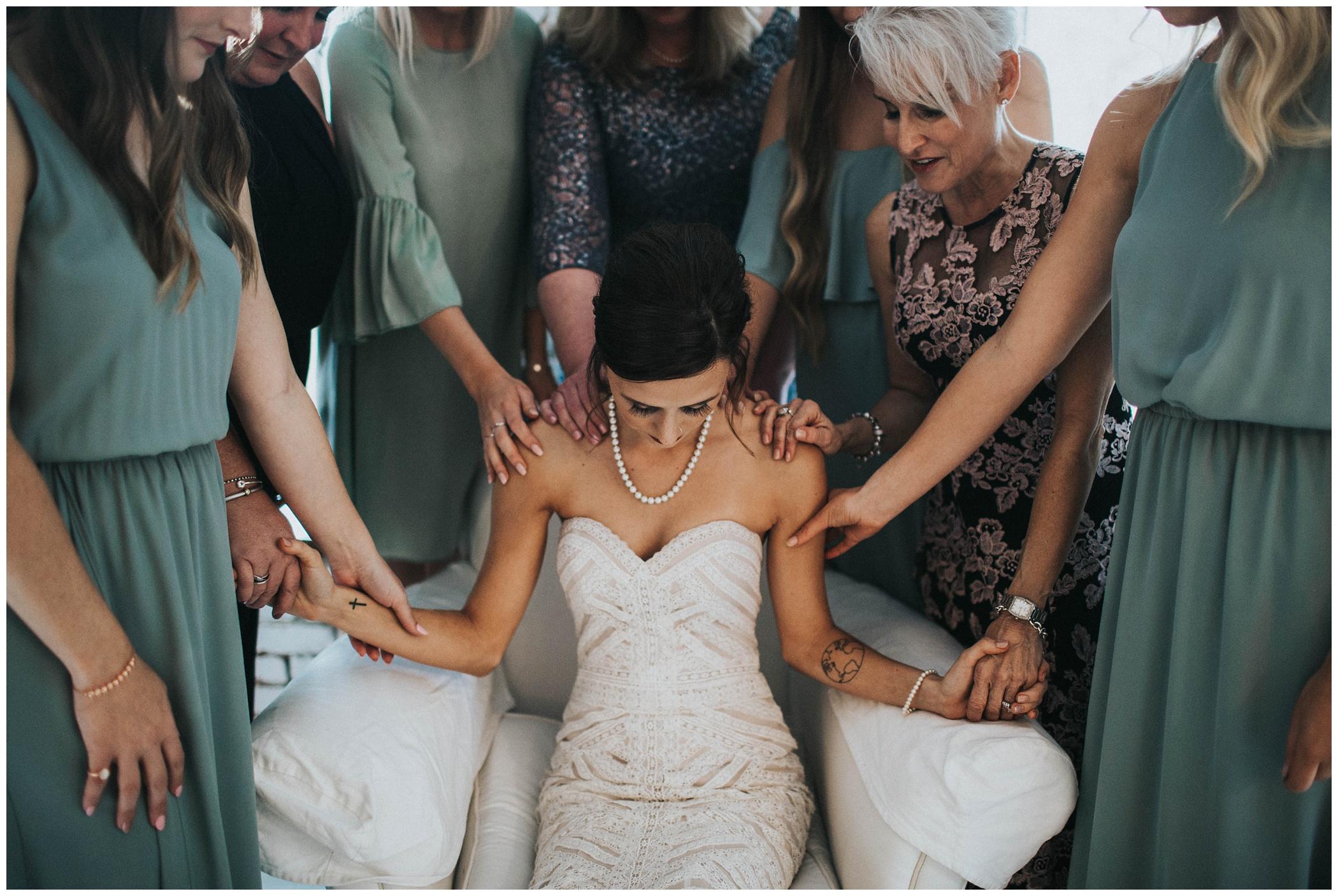 ravington, praying, before, ceremony, the, ravington, centerson, northwest, arkansas, johnsons, photo, wedding, photography